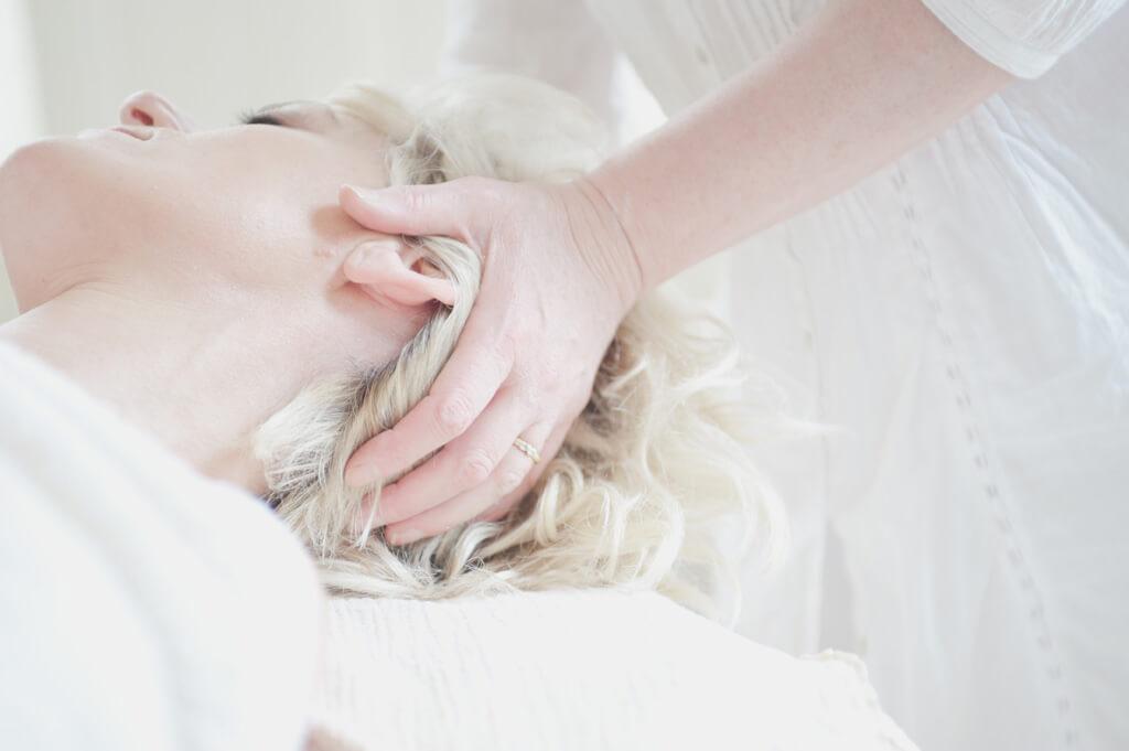 30代から始まる髪の毛悩み。くせ毛・乾燥・広がり対策方法
