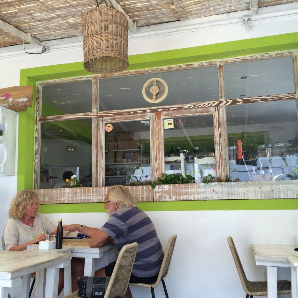 フォルメンテーラ島のイタリアンレストラン