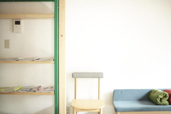 表参道のマンツーマン美容室の待合い